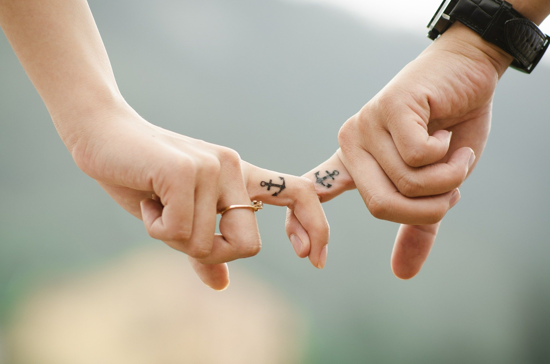 anchor-finger-tattoos