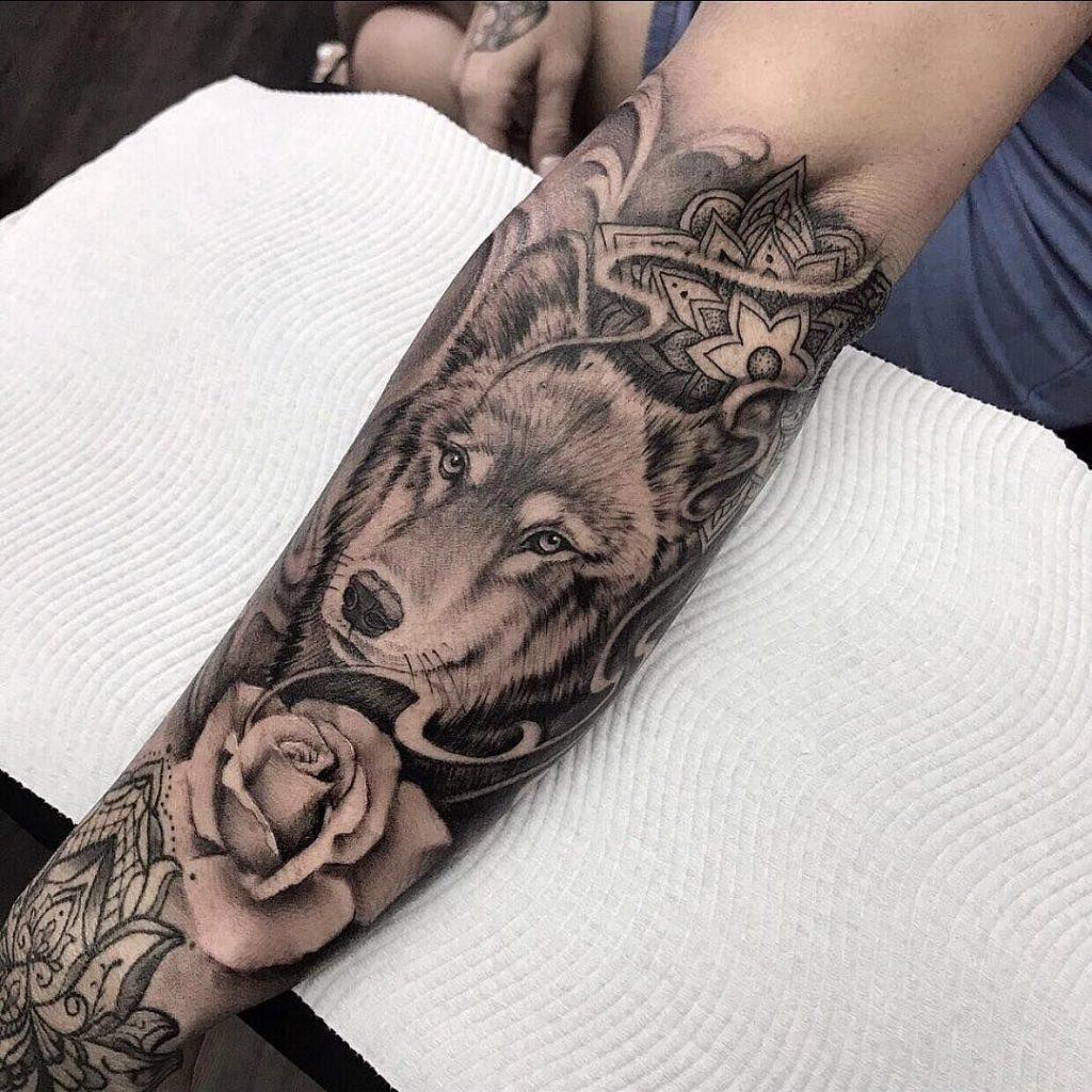 forearm-wolf-tattoo